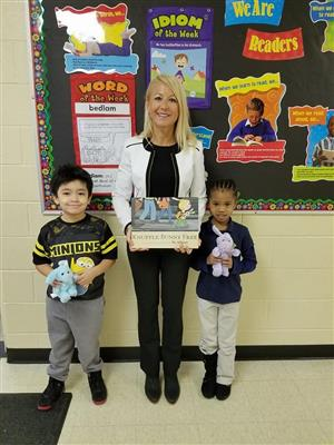 Kellar Hosts 25th Annual Guest Reader Week